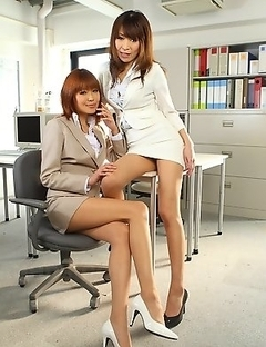 Pretty porn babes Jun and Yuuno