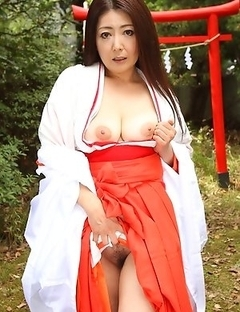 Hot Ayano Murasaki shows her twat